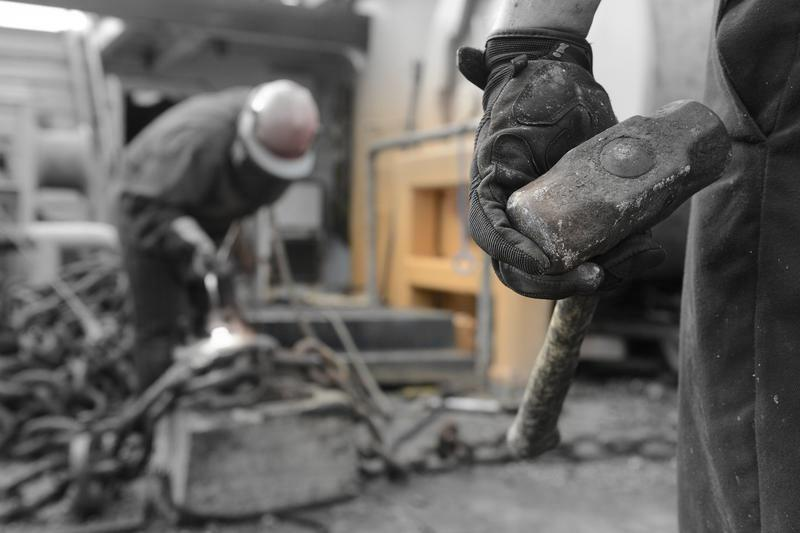 درآمد روزانهی یک کارگر فرانسوی ۲۱ برابر یک کارگر ایرانی است